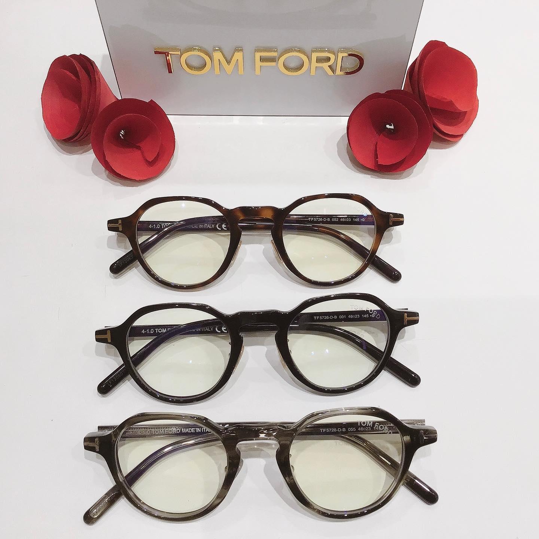 TOMFORD新作品番:5726DFカラー:1、52、55¥50,000+taxレンズ付き価格トムフォード純正ブルーライト付きオシャレなクラウンパント型日本企画モデルなのでかけやすいです♬#tomford #tomfordeyewear #トムフォード #eyewear #メガネ #眼鏡 #めがね # #プレゼントにも #クラウンパント #限定モデル #新作 #長崎 #ココウォーク #福岡 #リバーウォーク北九州 #神奈川 #ららぽーと湘南平塚