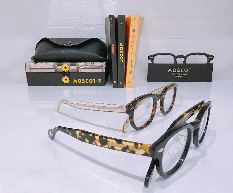 MOSCOTLEMTOSH JPN LTD Ⅸ日本限定モデル9入荷致しました️定番のフロントカラーにテンプルはトレンドのクリアとイエローのトータスカラーになっています。数量限定サングラス🕶¥35,000+taxメガネ¥40,000+taxメガネはレンズ付き価格です♪#moscot #moscotlemtosh #jpn #ltd #限定 #モスコット #eyewear #sunglasses #メガネ #眼鏡 #めがね ##🕶 #サングラス #長崎 #ココウォーク #福岡 #リバーウォーク北九州 #神奈川 #ららぽーと湘南平塚
