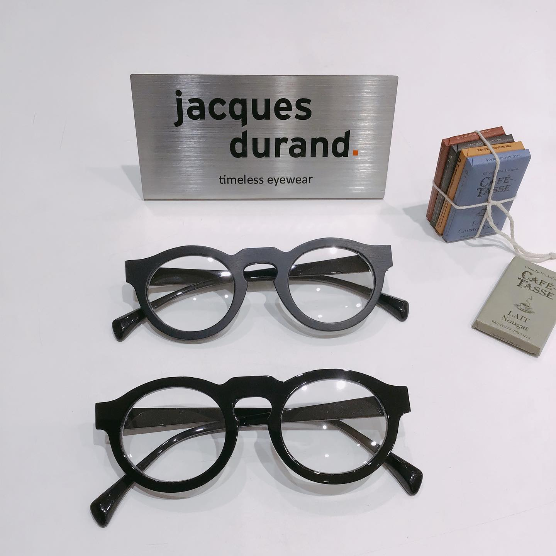 jacques durandジャックデュランPic1下品番:506PAQUESカラー:2  ツヤ有り黒色のツヤ有りが入荷しております♪マットな質感 と 光沢ツヤ有りどちらが好みですか?︎ぜひ かけ比べてみてください♪#jacquesdurand #ジャックデュラン#eyewear #アイウェア #sunglasses #サングラス #眼鏡 #メガネ #めがね #長崎 #ココウォーク #福岡 #リバーウォーク北九州 #神奈川 #ららぽーと湘南平塚